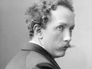 STRAUSS_R_moustache_juene_golden_age_composer_strauss