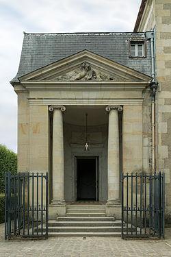 Petit_Trianon,_theatre_entree_portique_de_la_Reine,_entrée