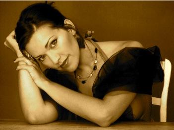 Emmanuelle Zoldan sepia