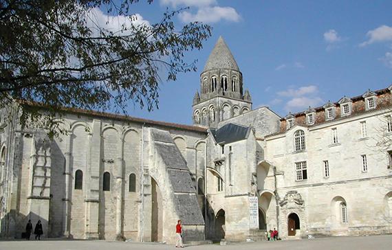 saintes_570_l'Abbaye-aux-Dames-de-Saintes