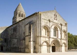saintes abbatiale-facade-724x521