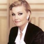 mattila-karita-soprano-diva-ariadne-auf-Naxos-home-portrait-582-594