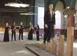 echelle-poutres-vanites-cirque-circassiens-classiquenews-concert-clic-evenement-mai-2015