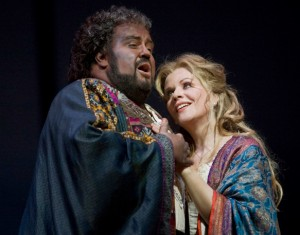 otello-fleming-verdi-opera-metropolitan-opera-new-york-octobre-2012-dvd-decca-classiquenews-renee-fleming-desdemona-johan-botha-otello