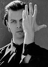 currentzis teodor chef maestro review presentation classiquenews sacre du printemps de stravinsky trilogie mozart da ponte critique compte rendu cd