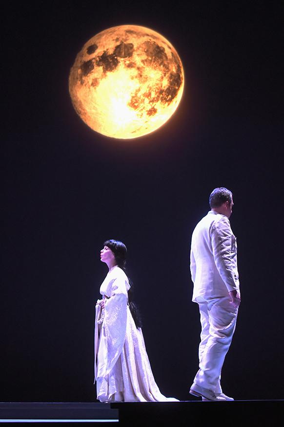 puccini-butterfly-madama-compte-rendu-critique-opera-opera-de-tours-CLASSIQUENEWS-Madame-Butterfly-Opéra-de-Tours---octobre-2015-@-Fr-Berthon--8842