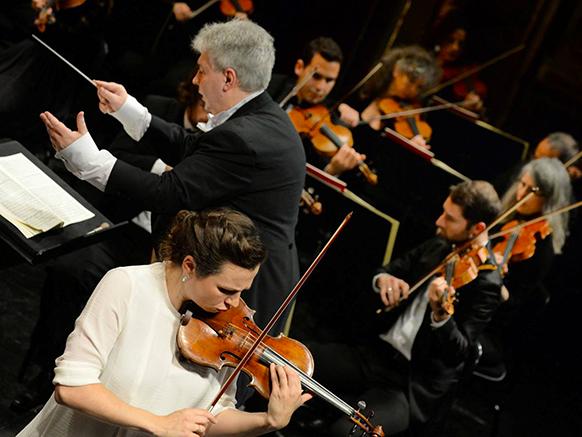ossonce-jean-yves-sara-nemtanu-concerto-violon-orchestre-tchaikovski-concert-opera-de-tours-7-novembre-2015-review-crtique-compte-rendu-classiquenews