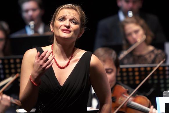 julia-Knecht-mozart-recital-idomeneo-debora-waldman-concert-clic-de-classiquenews-582-diva-face