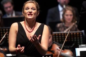 knecht-julia-concert-mozart-classiquenews-jupiter-symphonie-debora-walmdmann-idomeneo-concert