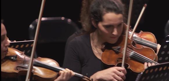 idomeneo-orchestre-musiciennes-violons-orchestre-classiquenews
