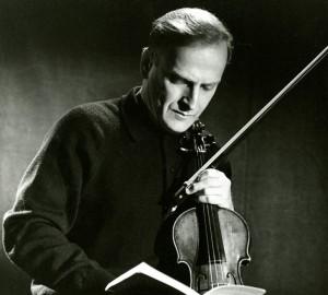 Yehudi menuhin cd review critique Prodige-violon-Yehudi-Menuhin-portait-aussi-valeurs-humanistes_0_730_657