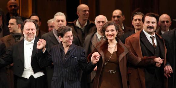fanciulla-del-west-puccini-scala-de-milan-carsen-cahilly-compte-rendu-opera-critique-classiquenews-review