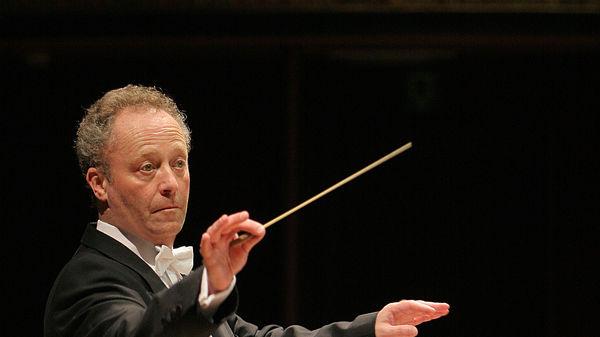 krivine emmanuel maestro chef philharmonique review critique classiquenews