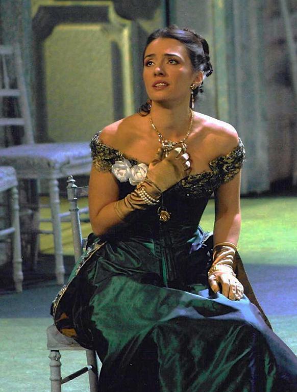 JAHO-violetta-valery-paris-verdi-la-traviata-JAHO-nouvelle-diva-2016-JAHO-Ermonela-Jaho-La-Traviata