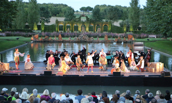 thire-vendee-pourceaugnac-festival-jardins-william-christie-pourceaugnac-miroir-d-eau-presentation-review-compte-rendu-classiquenews-2016