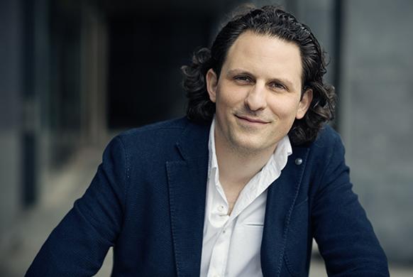 Alexandre Bloch, nouveau directeur musical à LILLE