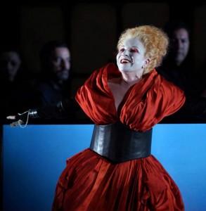 DEVIA-MARIELLA-roberto-devereux-dvd-bel-air-classiquenews-critique-review-dvd-classiquenews-582-594