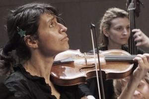 beyer-amandine-violon-baroque-portrait-classiquenews-582-390