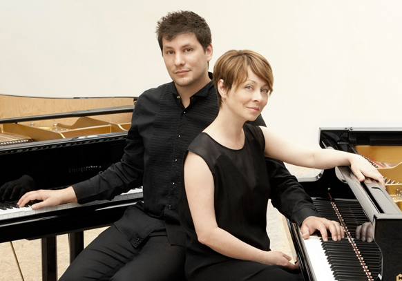 duo-berlinskaia-ancelle-piano-deux-claviers-4-mains-classiquenews