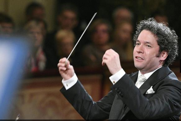 dudamel-gustavo-maestro-nouvel-an-concert-wien-2017-wiener-philharmoniker-gustavo-dudamel-maestro-3-582-390