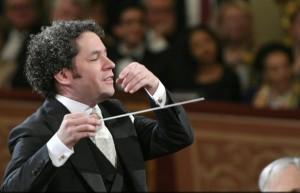 dudamel-maestro-3-wiener-philharmoniker-nouvel-an-2017-classiquenews