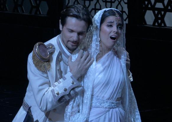 lakme-julien-dran-et-jodie-devos-opera-de-tours-fevrier-2017