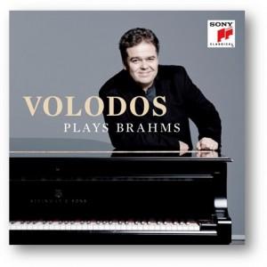 VOLODOS Arcadi Volodos joue plays BRAHMS 1 cd SOny classical compte rendu critique cd par classiquenews
