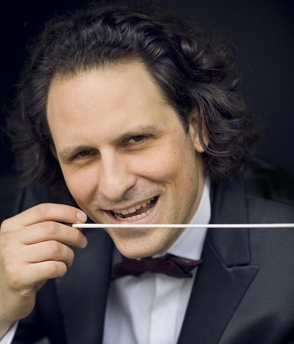 BLOCH-alexandre-bloch-maestro-orchestre-national-de-lille-classiquenews-thumbnail_portrait-HD@Jean-Baptiste-Millot