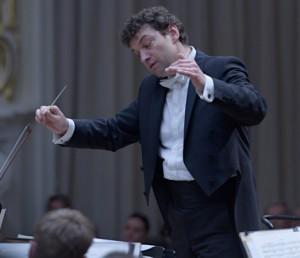 ZEHNDER KASPAR CHEF MAESTRO Slovenská-filharmónia-Kaspar-Zehnder-–-Koncertná-sieň-SF-Bratislava-2016-foto-©-Ján-Lukáš-12-522x450