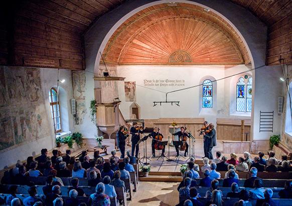 stradivarius-berlin-philharm-summit-gstaad-zweisimmen-concert-du-16-aout-2017-par-classiquenews-582