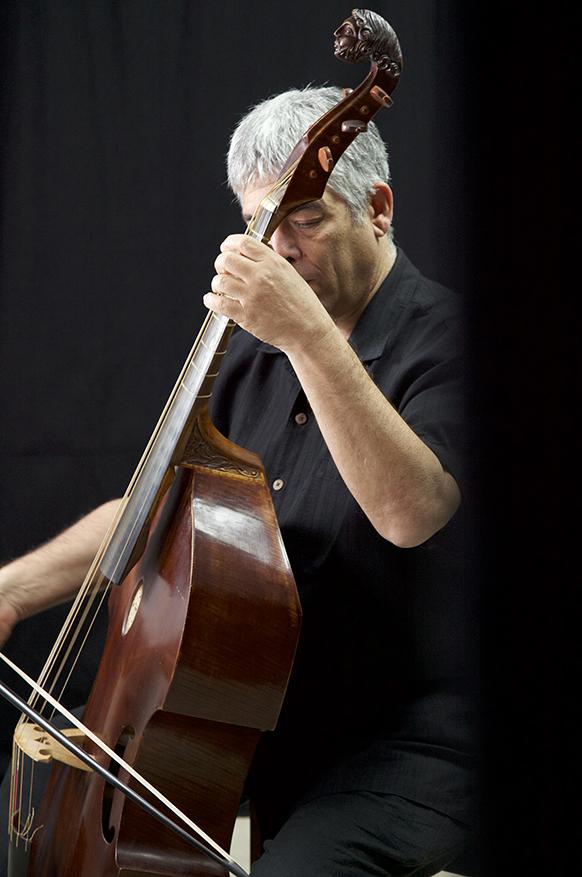 BERNFELD-JAY-viole-de-gambe-par-classiquenews-Jay-2013.04---Uit-Be-Studio---HIGH