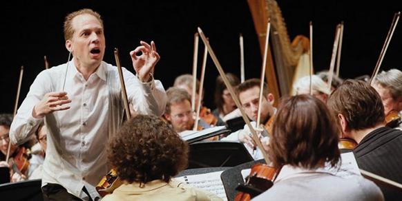 ORLEANS-repetition-marius-stieghorst-direction-musicale-maestro-orleans-par-classiquenews-Orchestre-symphonique-Orléans-©-Michel-Perreau-2-750x400