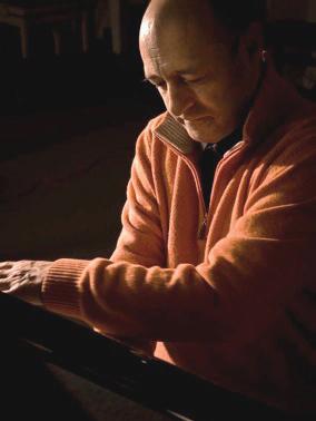 baraige-alain-compositeur-piano-portrait-par-classiquenews