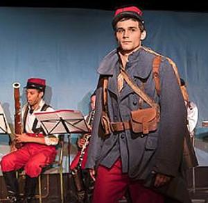 histoire-du-soldat-stravinksy-ramuz-au-theatre-de-poche-montparnasse-presentation-sur-classiquenews-uniforme-du-soldat
