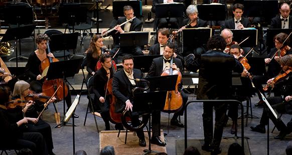 attahir-concerto-pour-serpent-creation-lille-compte-rendu-critique-par-classiquenews-photo-plan-face-1