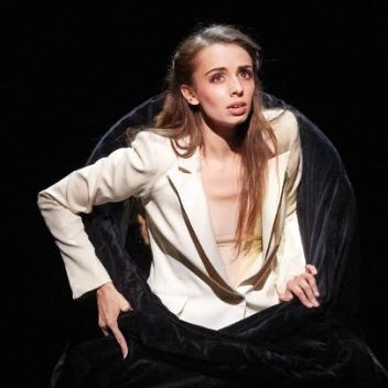 DEsandre-lea-opera-comique-spectacle-opera-comique-la-critique-et-in-arcadia-ego-critique-par-classiquenews-photo-portrait-2
