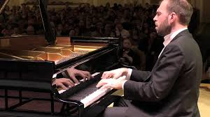 Korobeinikov piano concert critique par classiquenews Andrei Korobeinikov