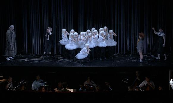 britten-midsummer-night-s-dream-opera-de-tours-critique-presentation-critique-par-classiquenews