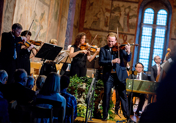 daniel-hope-seasons-vivaldi-max-richter-vivaldi-recomposed-concert-review-critique-de-concert-par-classiquenews-gstaad-menuhin-festival-2018-concert-review