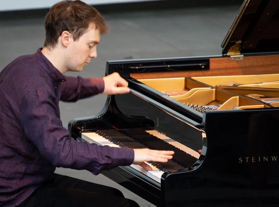 LEFEBVRE-clement-piano-critique-concert-la-roque-antheron-par-classiquenews-critique-de-concert-piano-Lefebvre_©-Christophe-GREMIOT_16082018-3