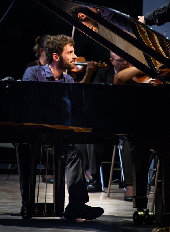 laloum-adam-piano-critique-concert-par-classiquenews