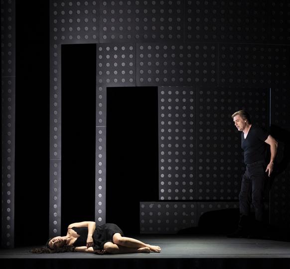 DEBUSSY-strasbourg-opera-critique-compte-rendu-opera-par-classiquenews-gillet-PELLEASetMELISANDE_4887PhotoKlaraBeck