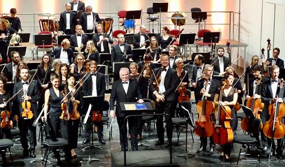 HOULIHAN-robert-maestro-opera-de-tours-concert-DEBUSSY-concert-critique-par-classiquenews-ROBERT-HOULIHAN-BOBBY3-P-A-PHAM-octobre-2018-concert-debussy-critique