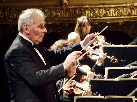 houlihan-robert-concert-maestro-concert-du-6-octobre-2018-critique-concert-Maestro-robert-Hoihan-2-par-classiquenews-P-A-PHAM