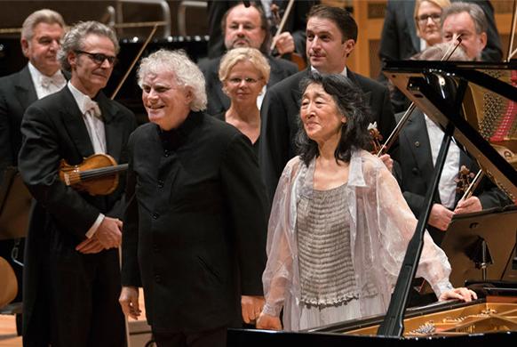 Berliner-Phil-rattle-uchida-piano-concertos-beethoven-cd-annonce-coffret-par-classiquenews-cd-review-cd-critique-cd-classiquenews