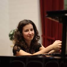 KUSTAS Maria piano concert annonce critique cd par classiquenews