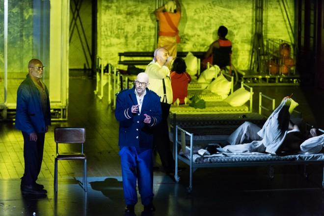 JANACEK maison des morts warlikowski opera de lyon critique opera classiquenews critique classiquenews opera musique classique