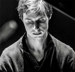 DEHAENE-gaspard-paino-portrait-entretien-sur-classiquenews-actualites-du-piano-classiquenews-vers-l-ailleurs-cd-1001-NOTES-Gaspard-Dehaene