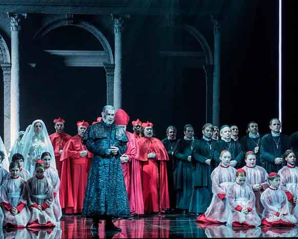TOSCA-opera-critique-fourny-sierra-govi-te-deum-scarpia-critique-opera-review-opera-classiquenews-2