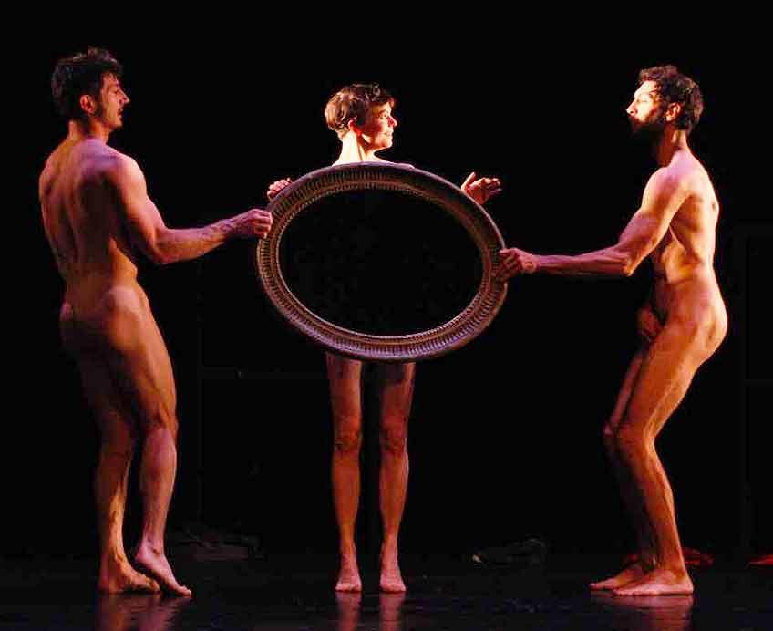 danse-marseille-criee-critique-cirque-regard-d-homme-critique-sur-classiquenews-spectacles-concerts